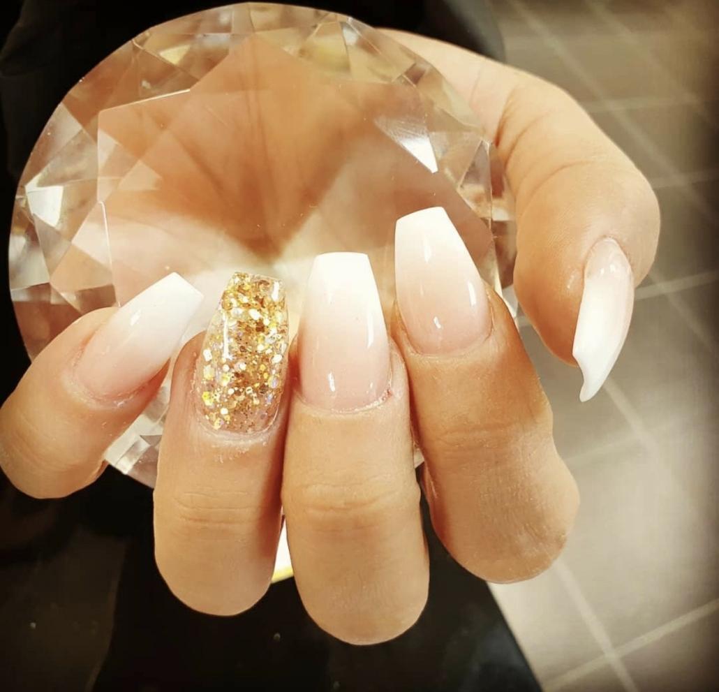 väsby centrum naglar